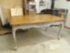 Table patine grise et bois naturel
