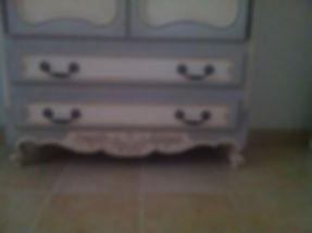 Bas d'une armoire