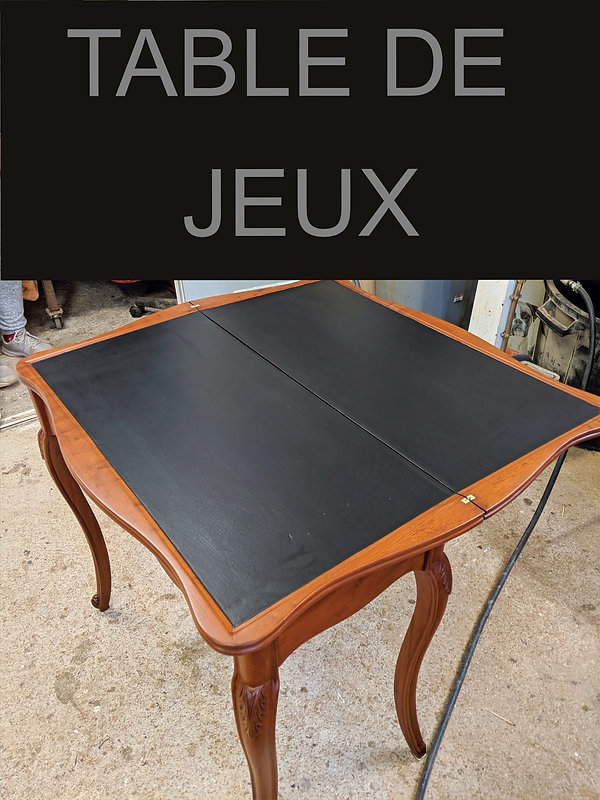 TABLE DE JEUX