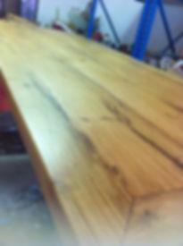 maquillage d'une table en chêne