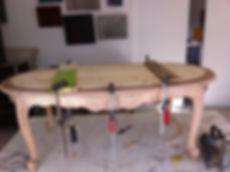 Table basse en coursde restauration