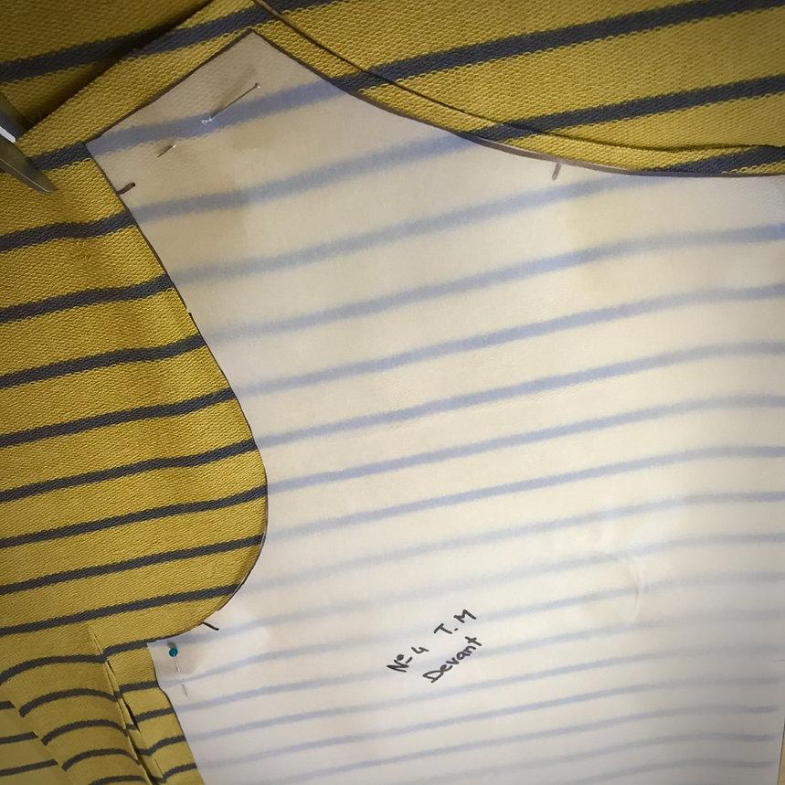 pull jaune 1.jpg