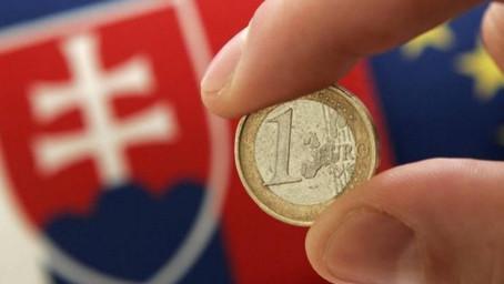 Extrémně levné peníze dorazily na Slovensko