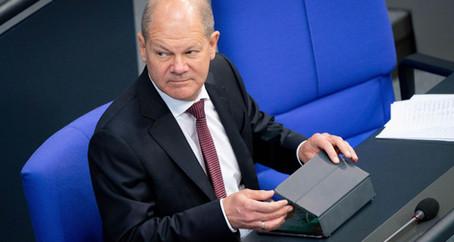 Německá vláda navzdory Ústavnímu soudu podpořila stimulační program ECB