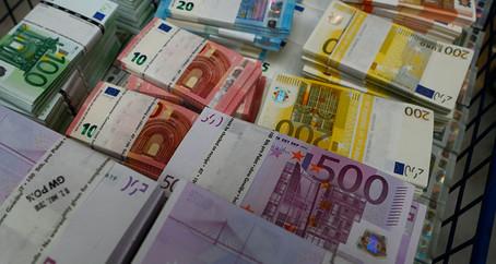 ECB nabídne zásobu eur i centrálním bankám mimo eurozónu