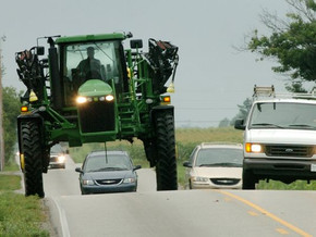 SPRAYER SAFETY ON PUBLIC ROADS