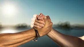 Migliora le tue relazioni con un esercizio e due essenze floreali.