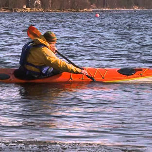 Turning your sea kayak