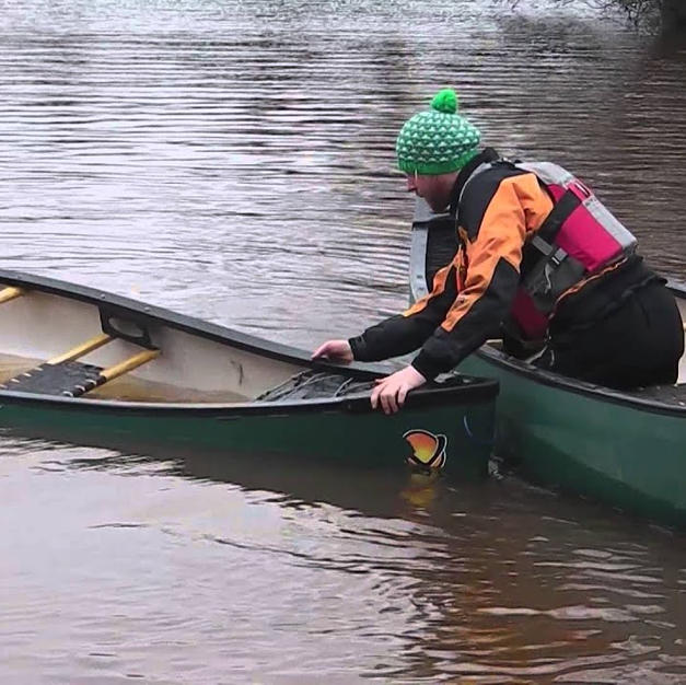 FSRT Emptying a capsized canoe on your own 1