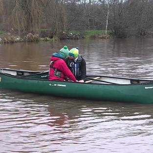 FSRT Hold on Push Tow for 2 paddlers