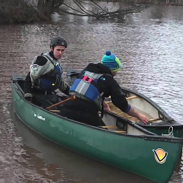 FSRT Emptying a capsized canoe with help Curl 1