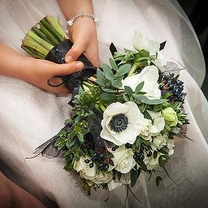 The wonderful _bespoke_florist1 will be