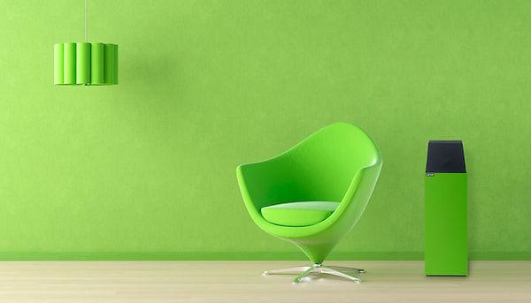 Larsen in green,