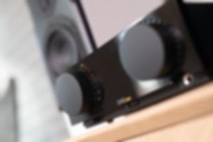 Cyrus One Cast amplifier.jpg