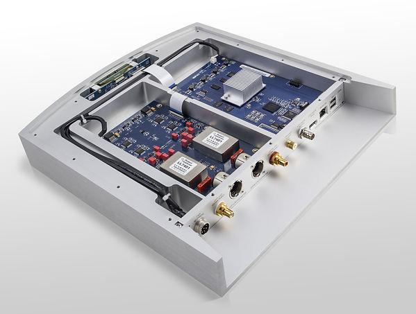 inside the Lumin S1 streamer,