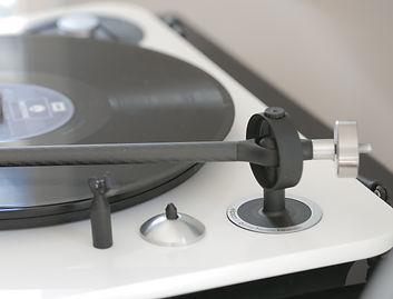 Elipson Omega 100 RIAA BT turntable, carbon fibre tonearm, hi-fi turntable, Bluetooth turntable, wireless turntable, USB turntable, the little audio company,