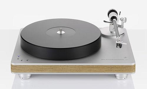 clearaudio turntable, clearaudio performance turntable, clearaudio record deck, clearaudio at the little audio company, clearaudio in birmingham,