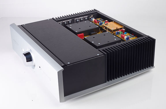 inside the Norma Audio IPA-140 ampifier,