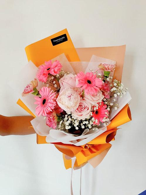 Daily - Garden Queen Little Pink Bouquet