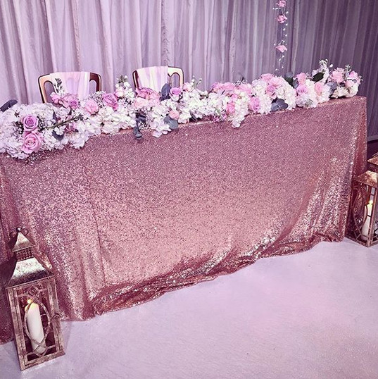 CEREMONY TABLE.... a sequin table cloth