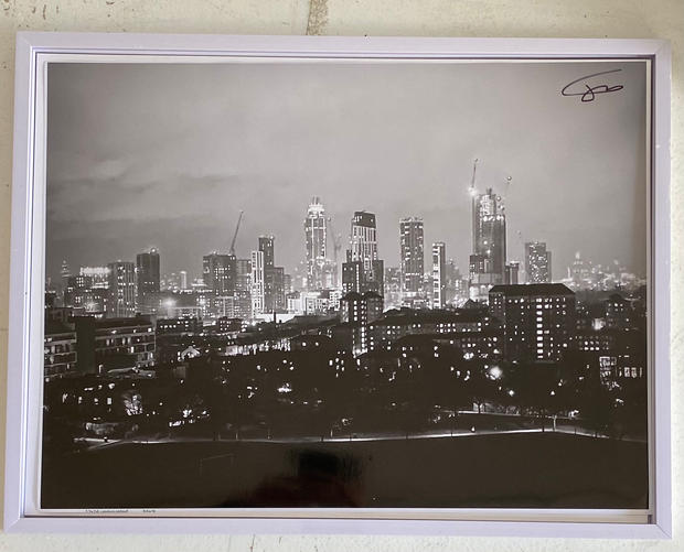 Title: South London Looking North. Size: 17x13 inches