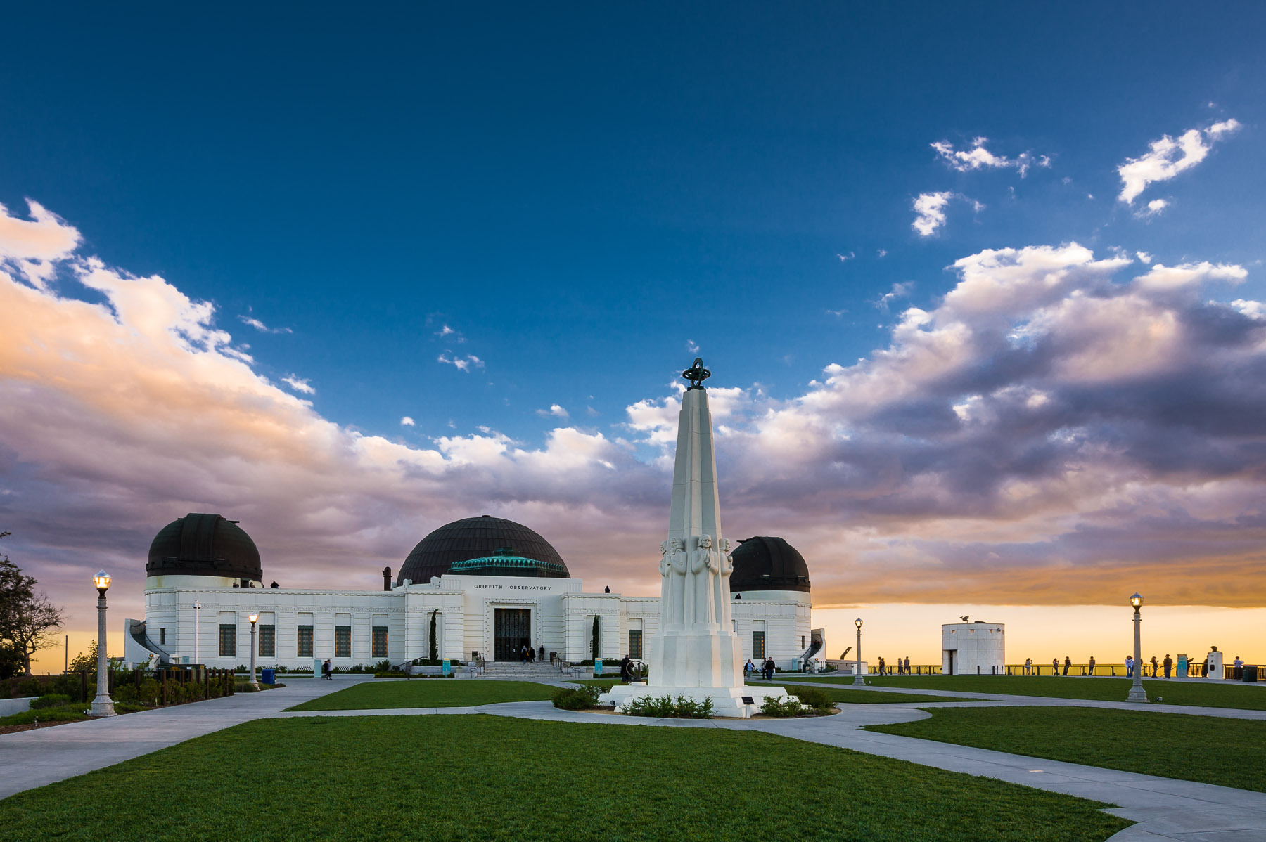 Griffith-Observatory-Los-Angeles.jpg
