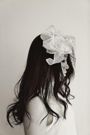 White lace flower&black dots veil head dress