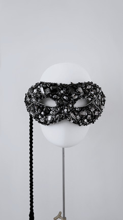 Black mask with hundle