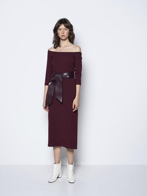 Functional Comfort – Off-Shoulder Dress