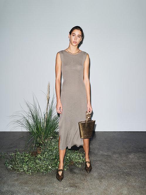 Powerful Twists – Dress Maxi