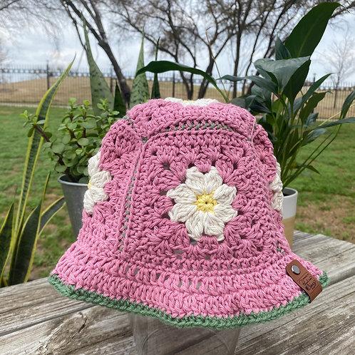 Crochet Bucket Hat - Pink Daisy