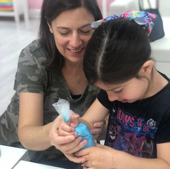Mommy & Me Decorating Class