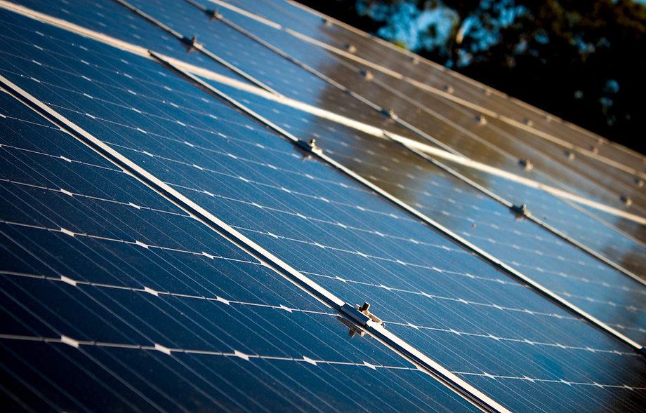 placa_solar_-_África_energia_solar_-_Cr