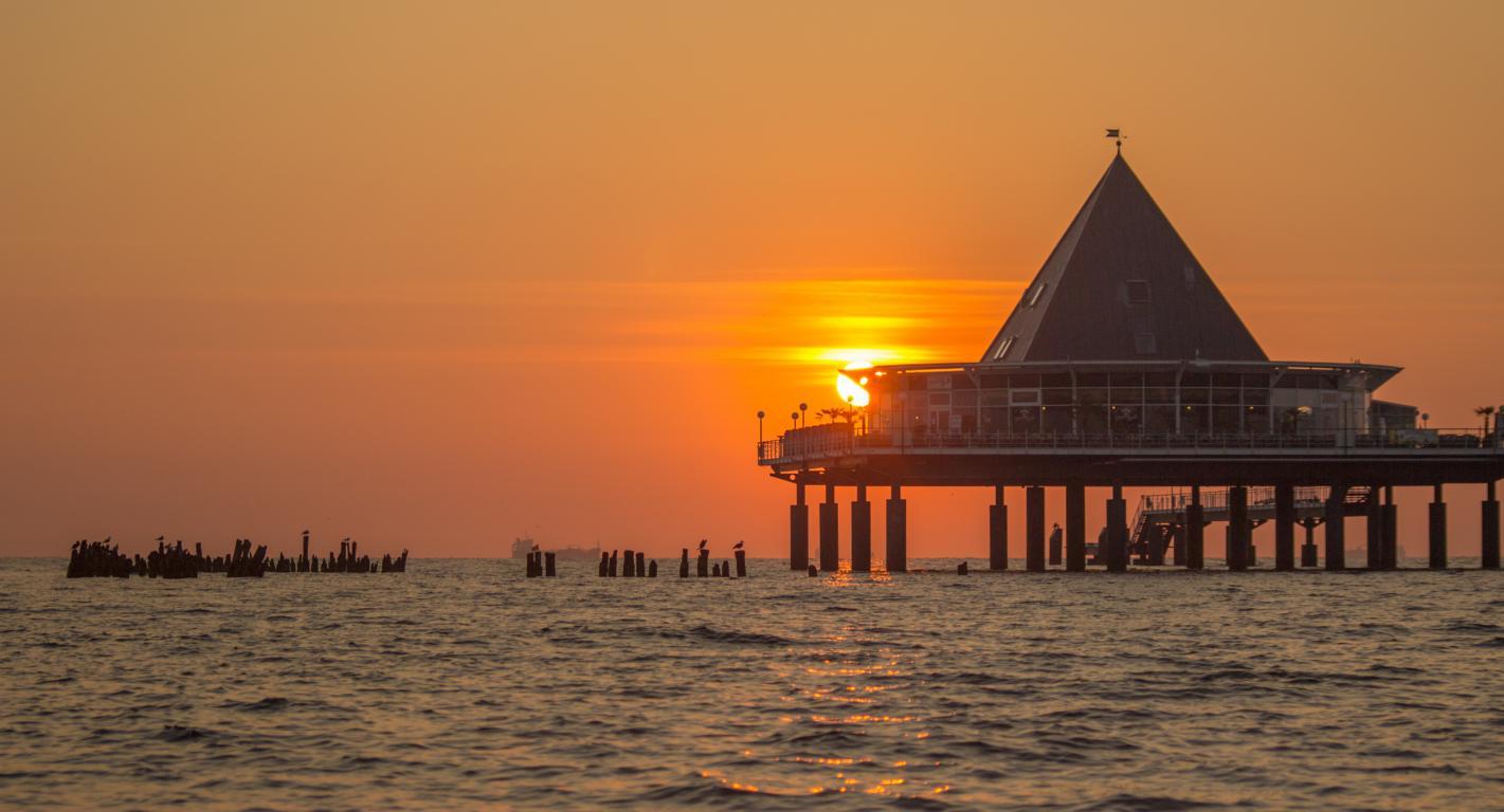 Sonnenaufgang am Strand auf Usedom O