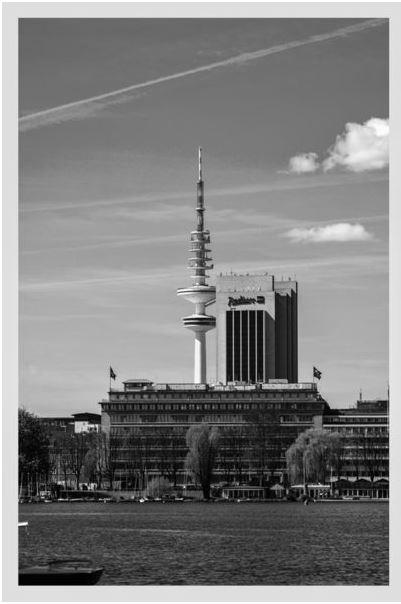 Hamburger Fernsehturm von der Alster