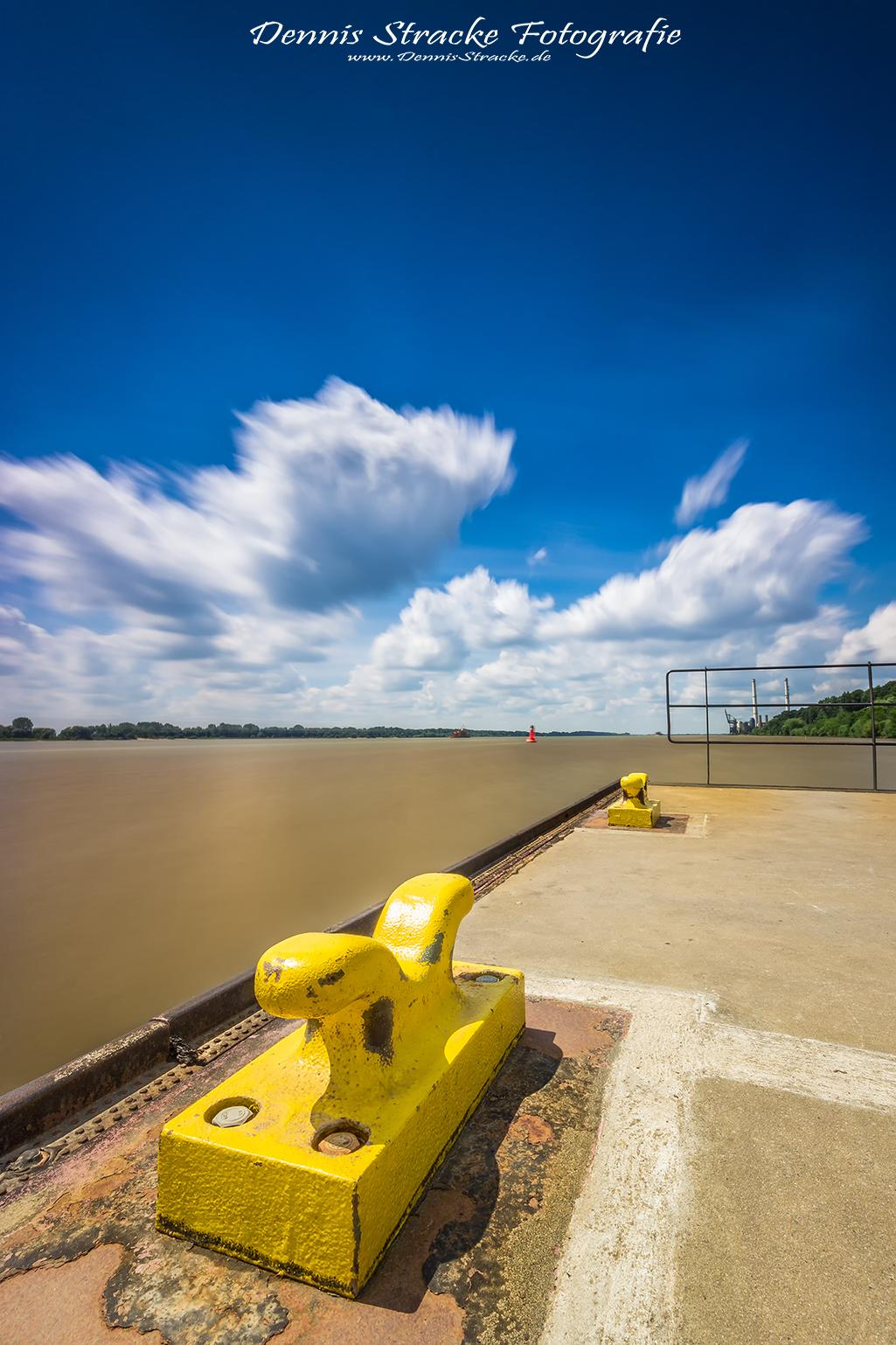 Bootsanleger am Fluss