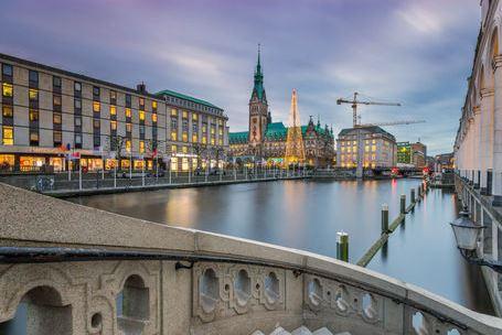 Abends am Rathaus Hamburg