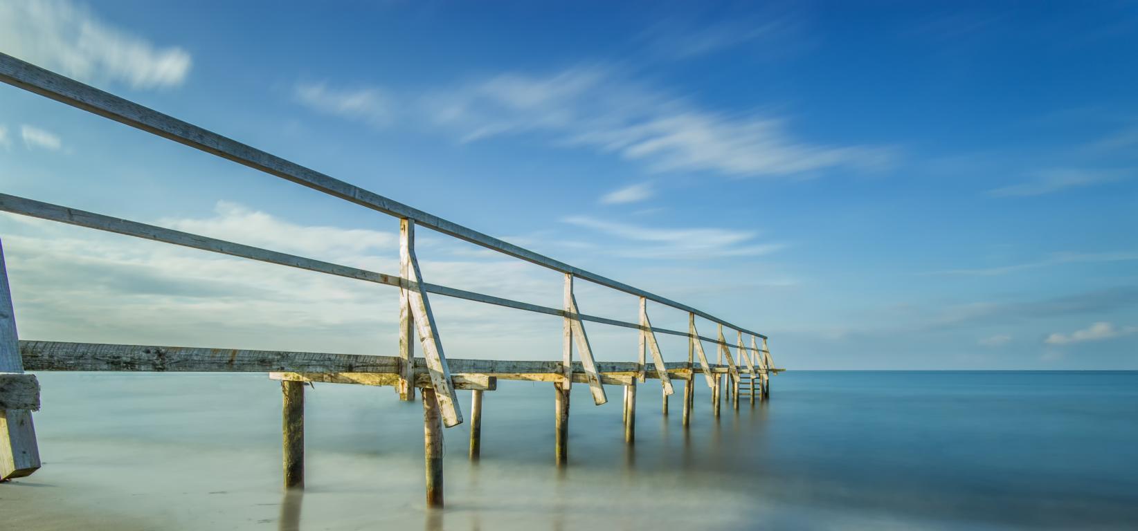 Brücke in den Horizont