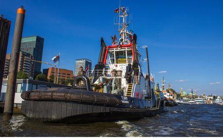 Alter Schlepper im Hamburger Hafen