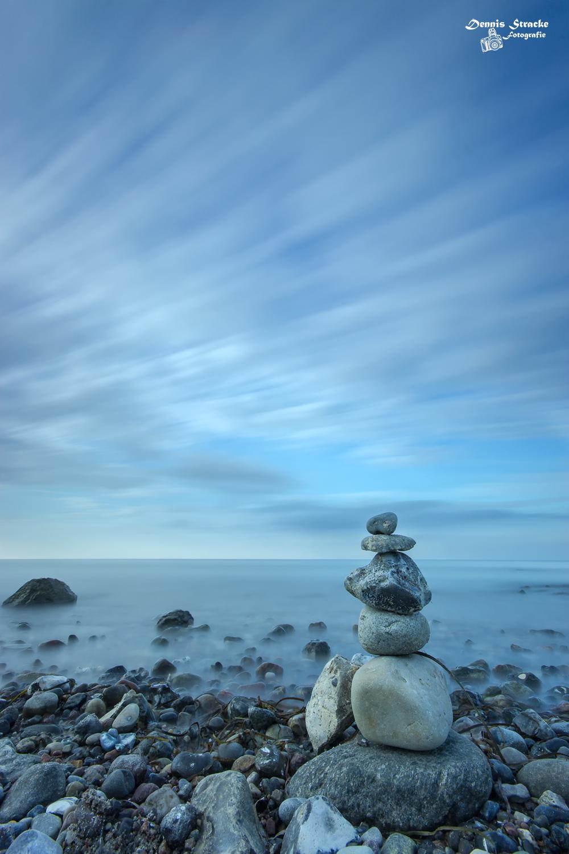 Stein auf Stein an der Küste