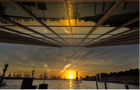 Hamburg Dockland zum Sonnenuntergang