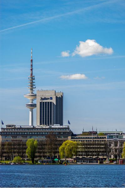 lster mit Fernsehturm Hamburg