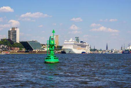 MSC Magnifica im Hamburger Hafen