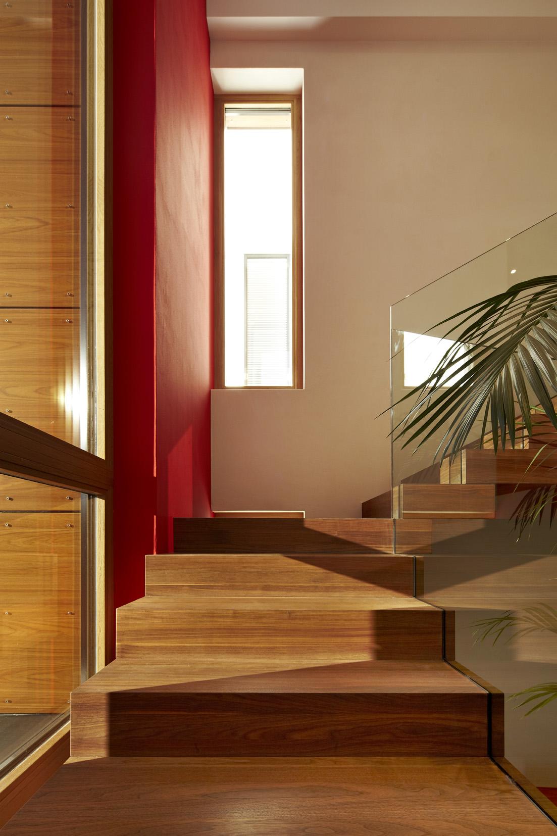 wunderschöne Holztreppe