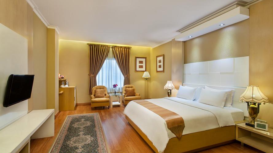 Room 03.jpg