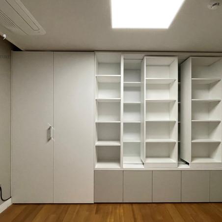 이중레일 책장, 폴딩도어 안쪽 책상