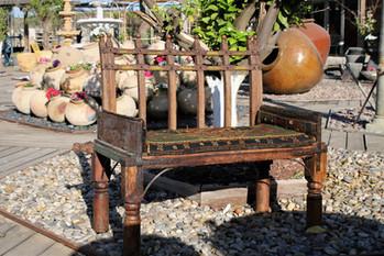 ספסל עתיק מהמזרח