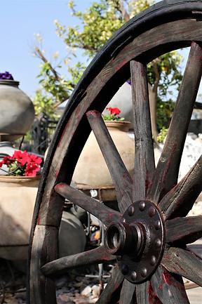 גלגלים עתיקים - אאוטדור