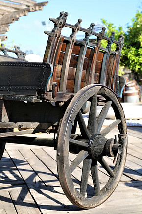 עגלה עתיקה