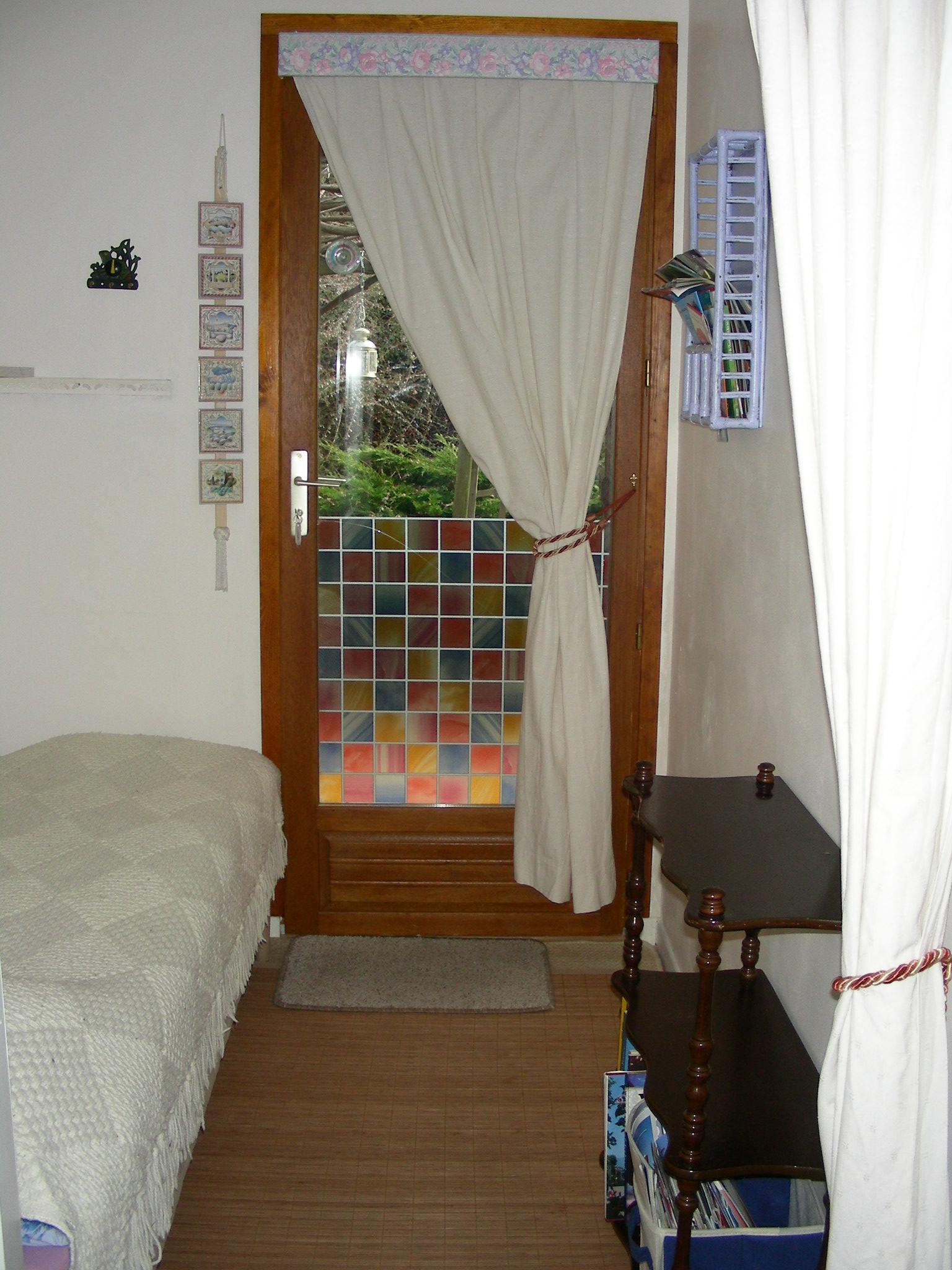 חדר כניסה עם מיטה 3